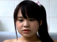 風呂場で妹に近親相姦を強要する鬼畜兄