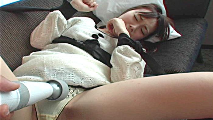 金で身体を売る完全素人援交色白童顔娘。寝ているところを拘束され陵辱・・・。