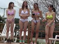 素人ギャルたちとプールサイドで女4の5P!水着姿が可愛いくてうっかり中出し