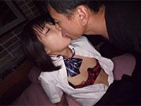 S級貧乳美少女が小さなお口でおじさんチ●ポを咥え3Pハメ撮り中出しセックス